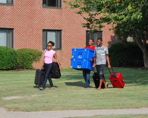 hampton university college essay